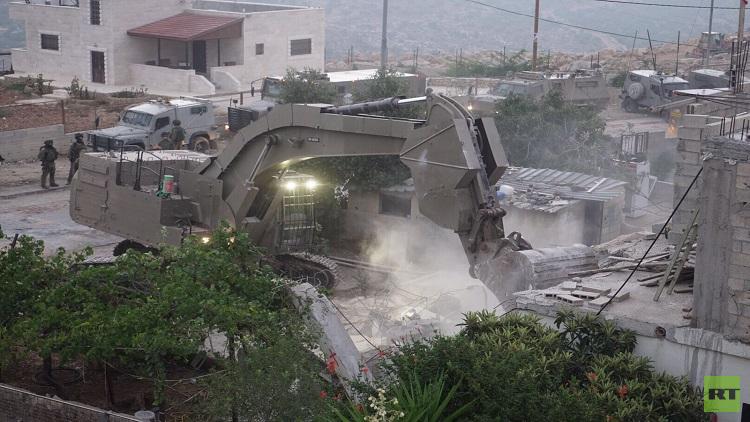 الجيش الإسرائيلي يهدم منزل منفذ عملية
