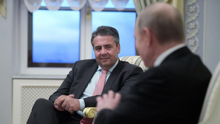دعوات في البرلمان الألماني إلى الكشف عن مضمون مباحثات بوتين وغابرييل