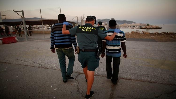إيقاف عصابة تهرب المهاجرين من المغرب إلى إسبانيا خلال 10 دقائق!