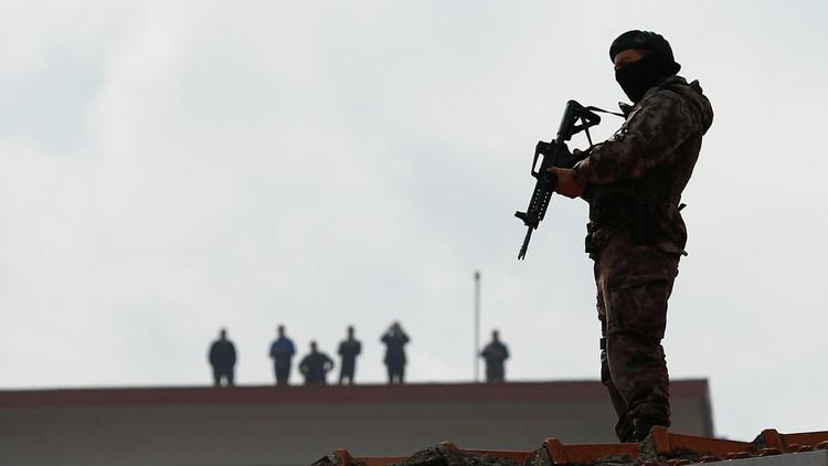 تركيا تعتقل 4 عناصر من