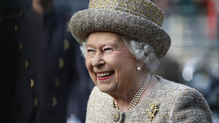 صحيفة: الملكة إليزابيث الثانية لن تتنحى عن السلطة