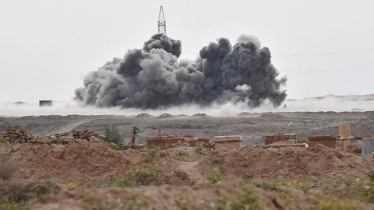 بالفيديو.. القوات الجوية الروسية تدمر قافلة لداعش وتصفي أكثر من 200 مسلح