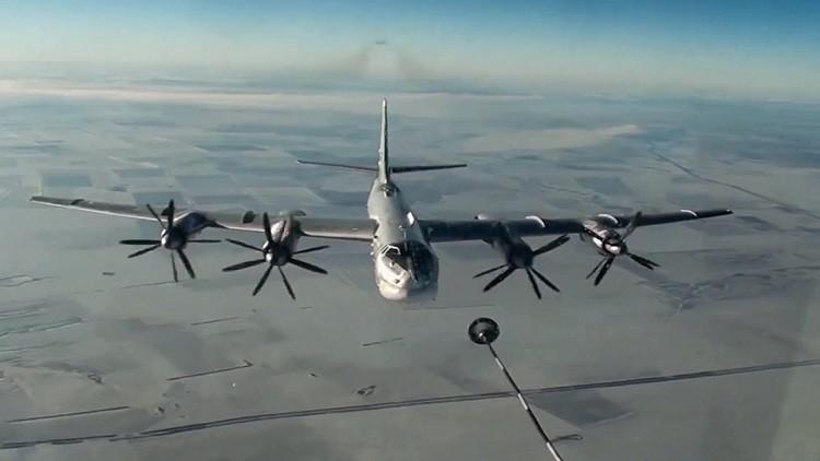 القاذفات الاستراتيجية الروسية تحلق فوق الهادئ