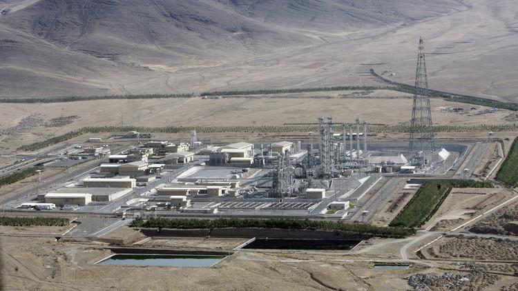 إيران مستعدة للانضمام إلى النادي النووي