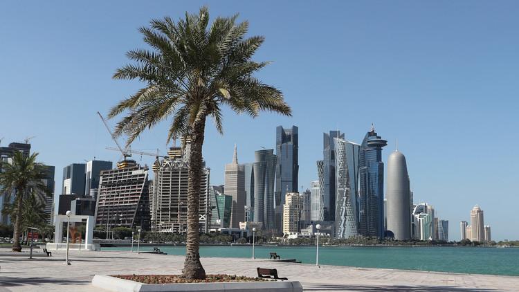 بالتفاصيل.. أمير قطر يتبنى قانونا يحدد نظام عمل المستخدمين في المنازل