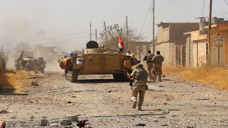 القوات العراقية تقتحم دفاعات