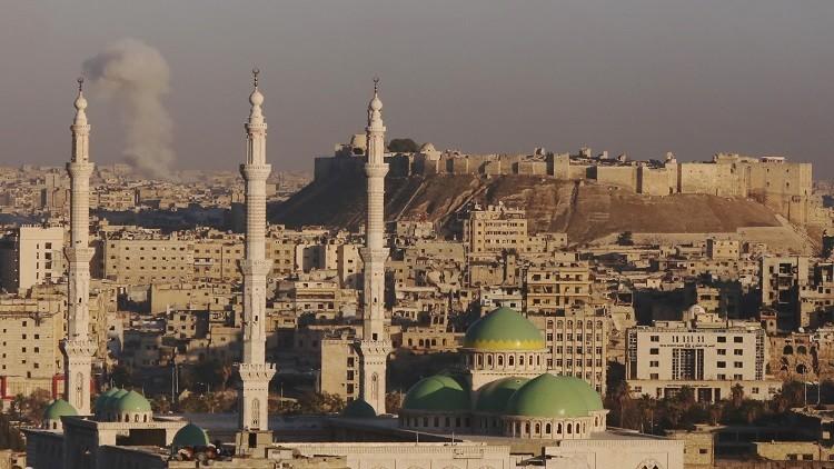 120 مسلحا متشددا يلقون أسلحتهم ويستسلمون للسلطات في محافظة حلب