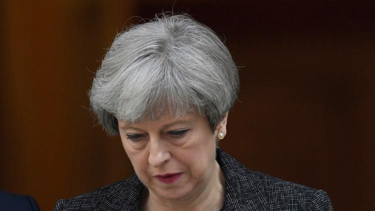 ماي قد تغادر رئاسة الوزراء وزعامة حزبها في 2019