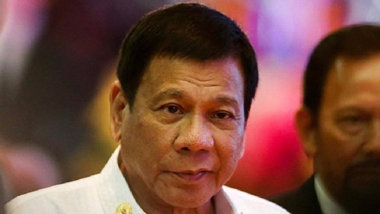 رئيس الفلبين: من حق الشرطة قتل الحمقى الذين يقاومون الاعتقال