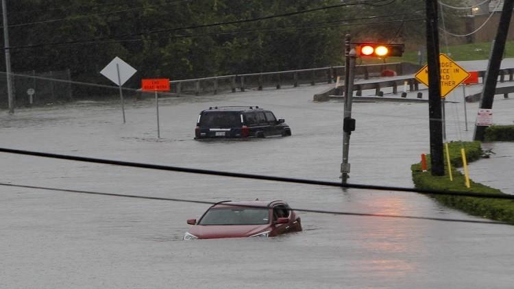 الإعصار هارفي يقترب من هيوستن ويقتل 7 أشخاص في تكساس