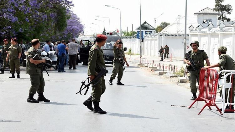 مقتل جندي تونسي وإصابة آخر بإطلاق نار داخل ثكنة