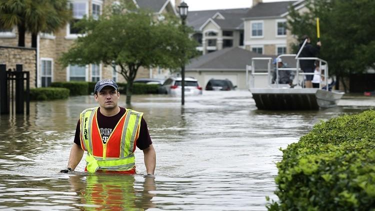 حصيلة ضحايا فيضانات تكساس ترتفع إلى 30 قتيلا وإجلاء 13 ألفا آخرين