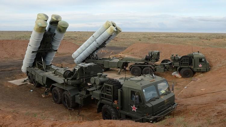 يديعوت أحرونوت: مصانع صواريخ إيرانية في سوريا محمية بـ