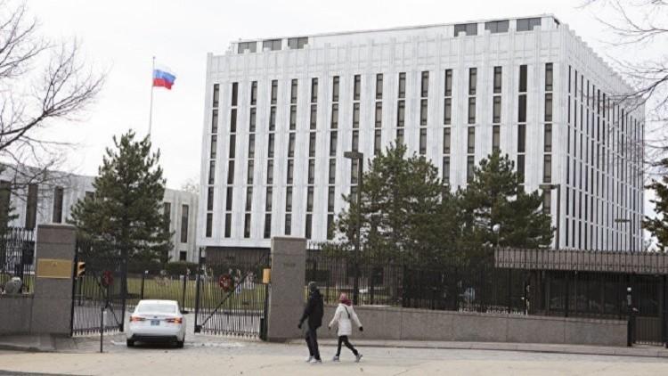واشنطن تغلق بعثات دبلوماسية روسية وموسكو تدرس الرد
