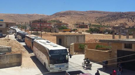 مسلحو جبهة النصرة يغادرون جرود عرسال - أرشيف