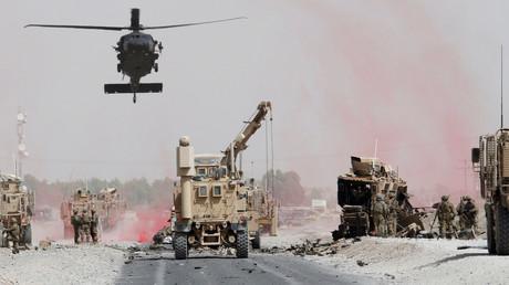 هجوم انتحاري يستهدف قافلة للناتو جنوب أفغانستان
