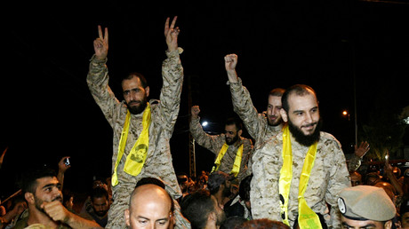 """أسرى """"حزب الله"""" بعد الإفراج عنهم"""