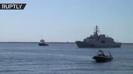 سفينة إيطالية ترسو في ميناء طرابلس بالرغم من تهديدات حفتر