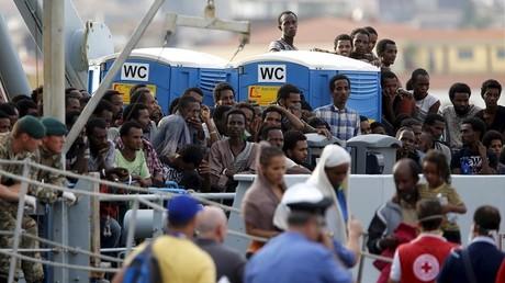 مهاجرون غير شرعيين في إيطاليا