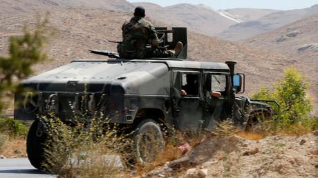 سيارة مصفحة تابعة للجيش اللبناني