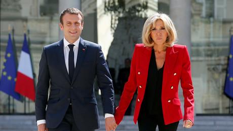 الرئيس الفرنسي إيمانويل ماكرون وزوجته بريجيت