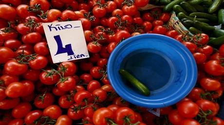 """أنقرة: سنتخذ """"إجراءات"""" إذا لم ترفع موسكو الحظر عن الطماطم"""