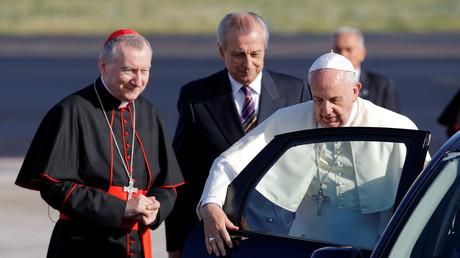 البابا فرنسيس وأمين سر دولة الفاتيكان الكاردينال بيترو بارولين