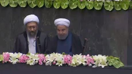 روحاني يعلن تشكيلة حكومته الجديدة