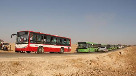 حافلات لنقل المسلحين من جرود عرسال - أرشيف-