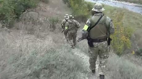 أرشيف - عناصر من الأجهزة الأمنية الروسية في مهمة بداغستان