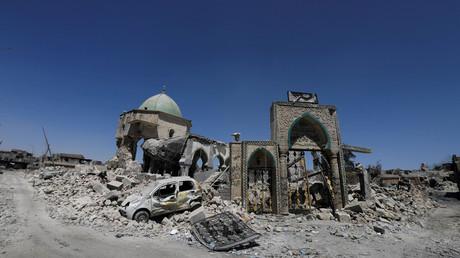 """بقايا جامع النوري الكبير بالموصل القديمة الذي أعلن منه زعيم """"داعش""""، أبو بكر البغدادي، """"دولة الخلافة"""""""