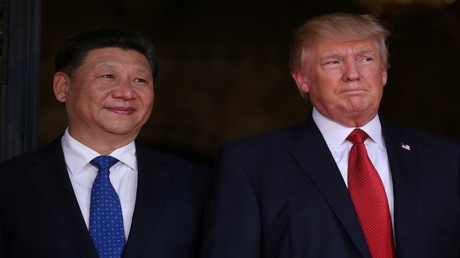 الرئيس الأمريكي دونالد ترامب ونظيره الصيني شي جين بينغ