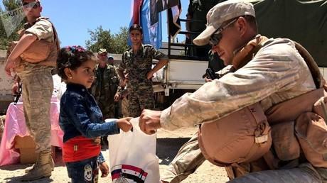 المركز الروسي للمصالحة في سوريا يقدم مساعدات إنسانية لسكان القنيطرة، يوليو 2017