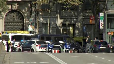 صور مؤلمة للجرحى في حادث دهس في برشلونة الإسبانية