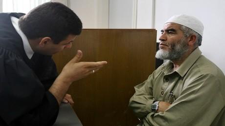 محكمة إسرائيلية تمدد اعتقال الشيخ رائد صلاح