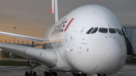 طائرة ركاب تابعة للخطوط الجوية الفرنسية - أرشيف
