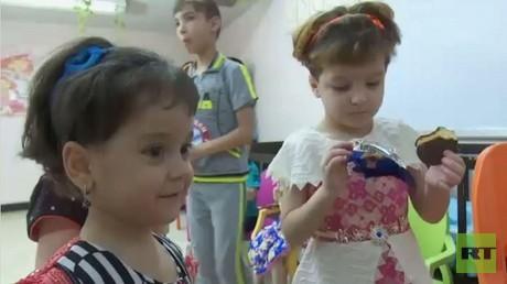 أطفال روس داخل دار للأيتام في العاصمة العراقية بغداد