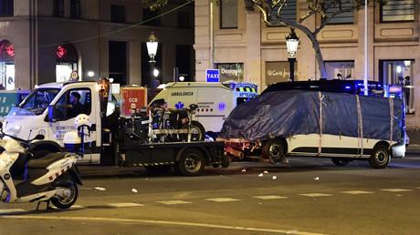 إحدى السيارات التي استخدمها الإرهابيون في عملية الدهس في برشلونة