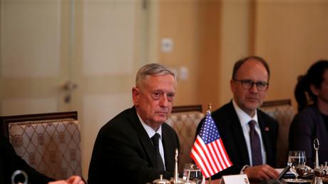 جيمس ماتيس خلال زيارته العراق اليوم