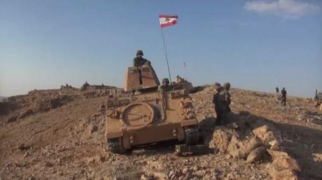 الجيش اللبناني يستعيد 100كم في رأس بلعبك