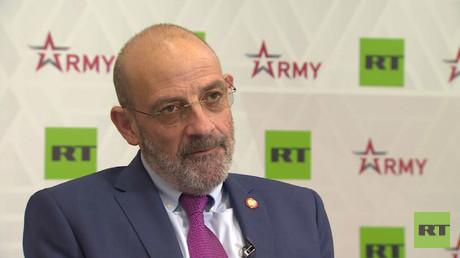 وزير الدفاع اللبناني يعقوب الصراف