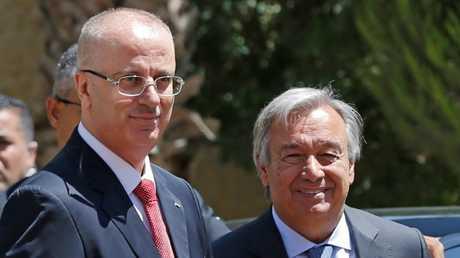 الأمين العام للأمم المتحدة أنطونيو غوتيريش مع رئيس الوزراء الفلسطيني رامي الحمد لله في رام الله، 29/8/2017