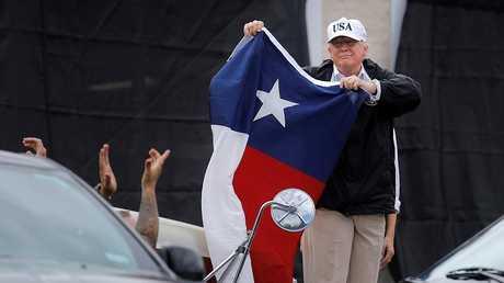 الرئيس الأمريكي دونالد ترامب يزور ولاية تكساس، 29/8/2017