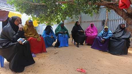 نساء من أسرة مدني قتل في عملية أمريكية صومالية في قرية بريري بالصومال في مجلس عزاء، 29/08/2017