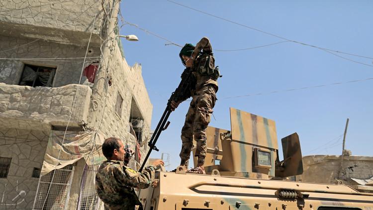 أ ف ب: قوات سوريا الديمقراطية تسيطر على البلدة القديمة في الرقة
