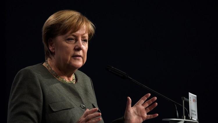 ميركل تدعو أوروبا لتحسين علاقاتها مع روسيا في مجال الأمن