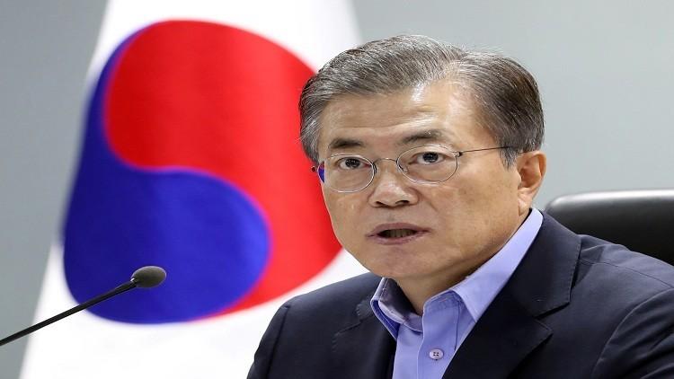 مون يبحث قضية كوريا الشمالية بالهاتف مع بوتين وميركل