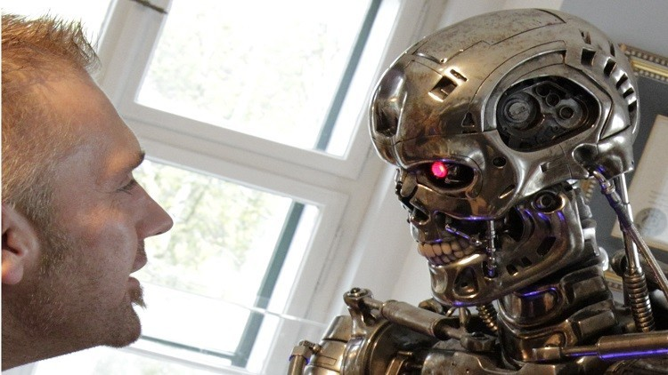 ملياردير يحذر من حرب عالمية ثالثة يقودها الذكاء الاصطناعي