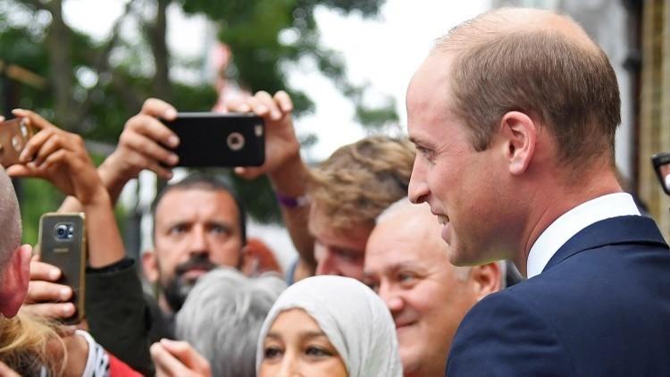 بالصور.. الأميران ويليام وهاري داخل مركز إسلامي في لندن