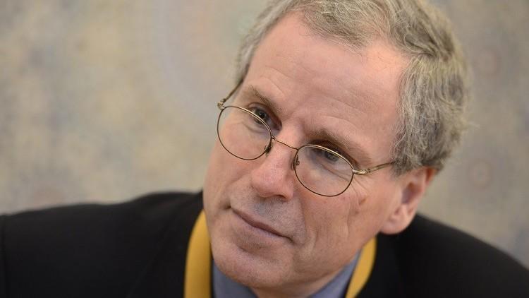 روبرت فورد: لا يمكن إيقاف القوات الإيرانية إلا بهجمات جوية روسية